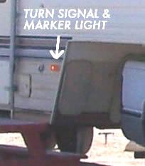 Fifth wheel turn signal/marker light